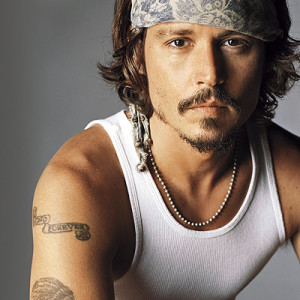 Johnny Depp - neck chain